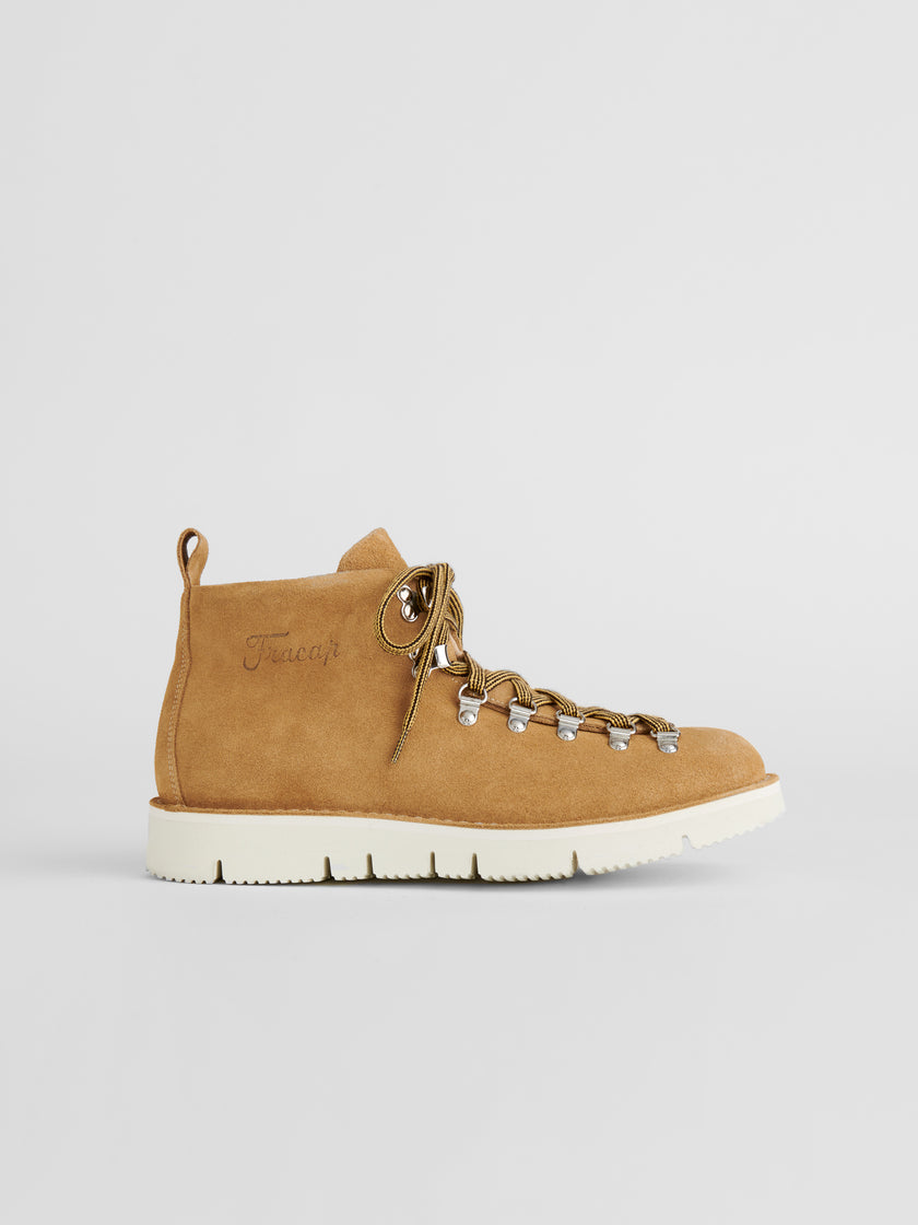 Alex Mill Finds: Fracap Boot in Suede Beige
