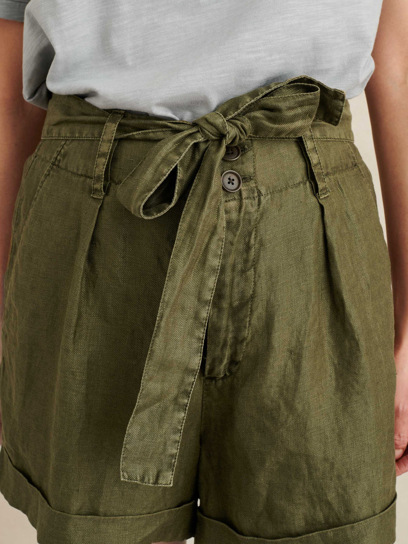 Avery Shorts in Linen
