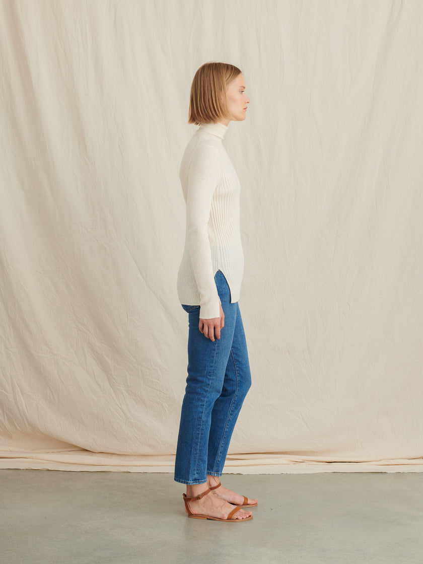 Ribbed Turtleneck in Wool Silk Blend