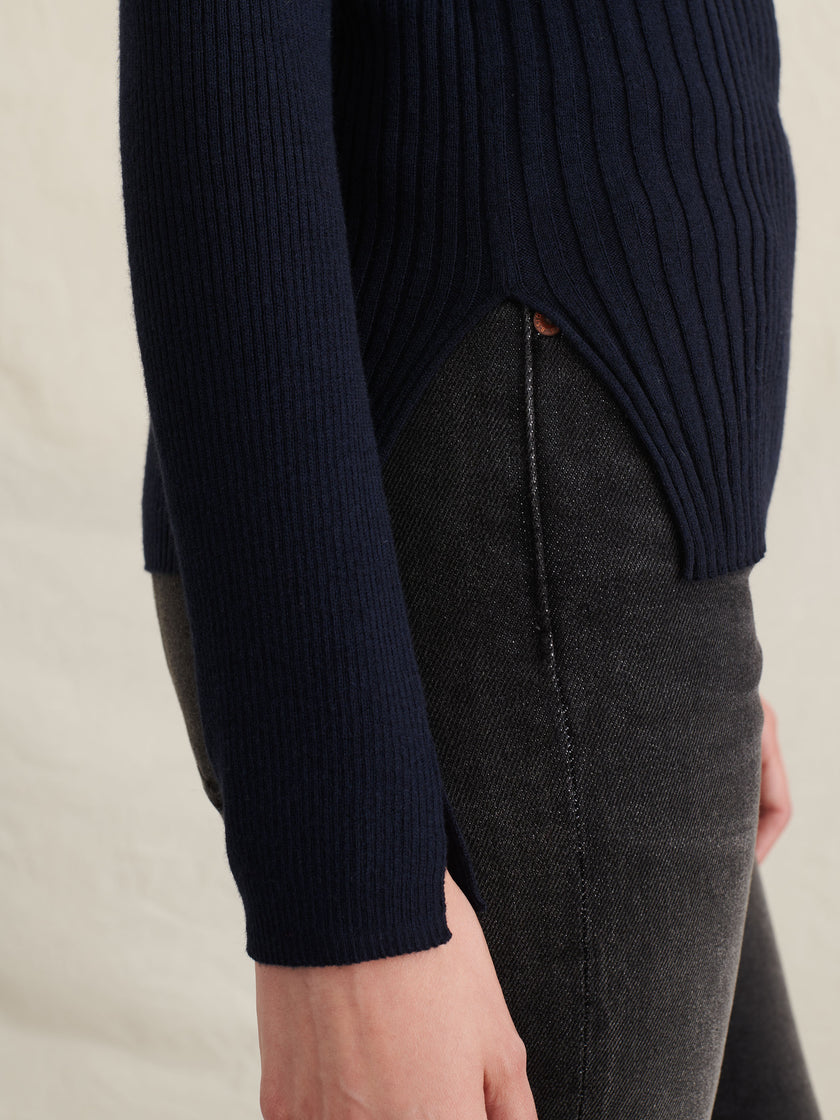 Ribbed Turtleneck in Wool Cotton Blend