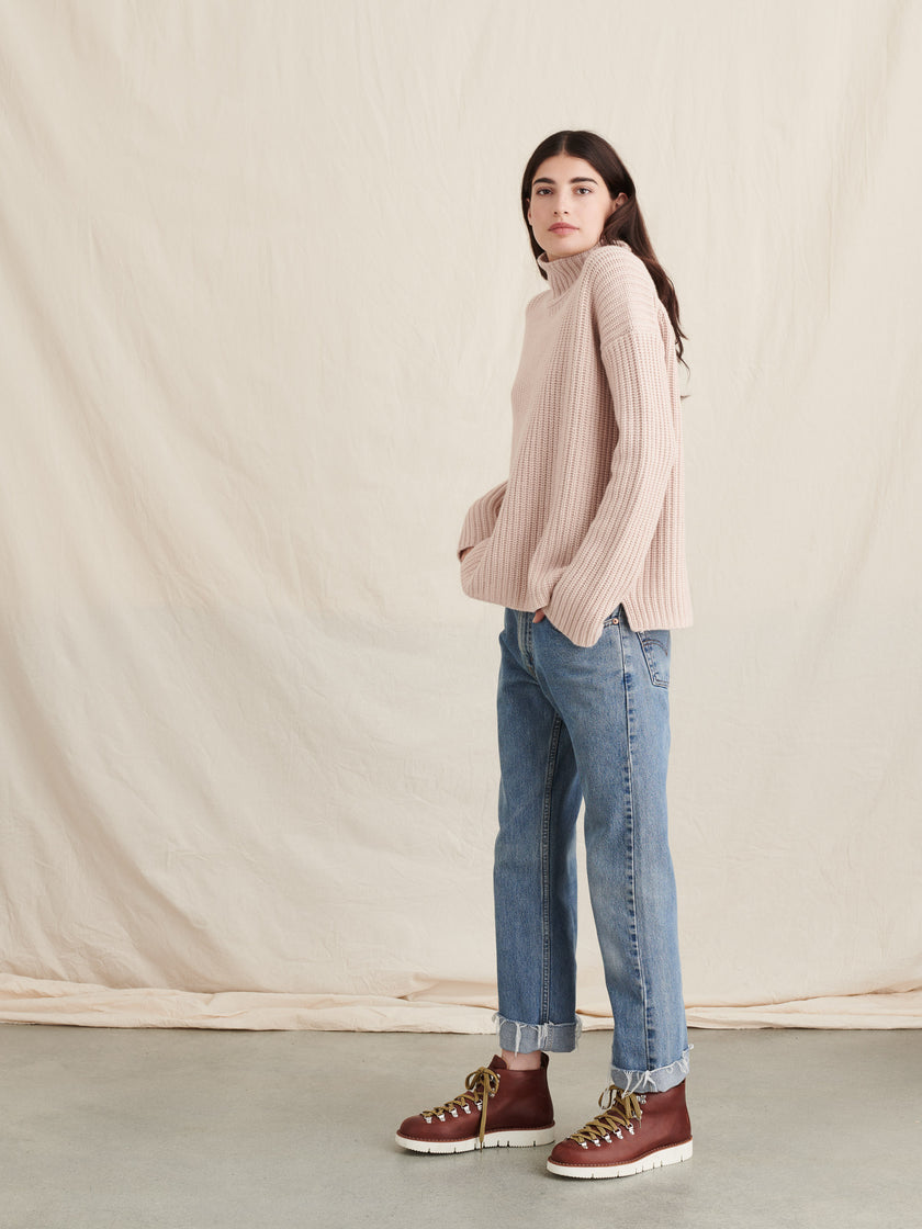 Oversized Turtleneck in Cashmere Merino Wool