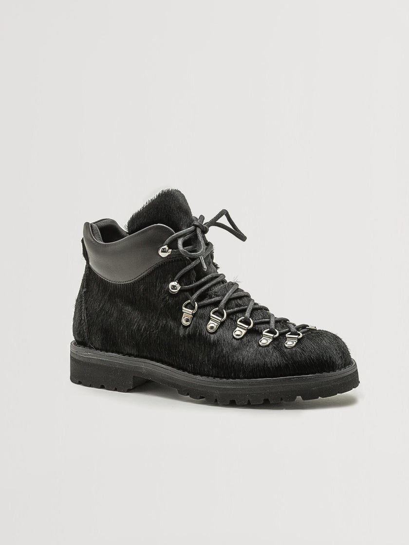 Alex Mill Finds: Fracap Boot in Black Calfhair