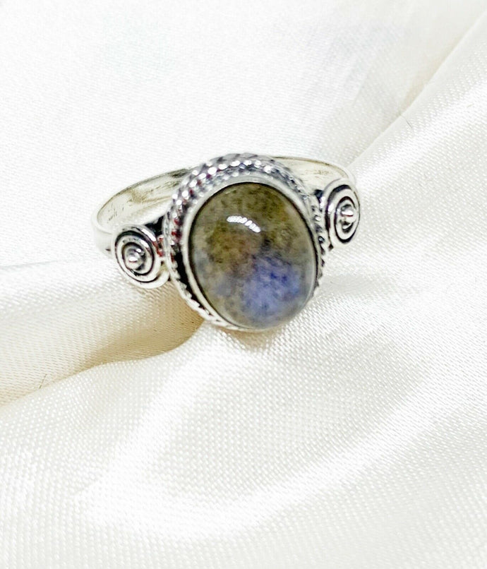💍STERLING SILVER 925 💍  Large Oval Handmade Ring w/Labradorite -R/H02