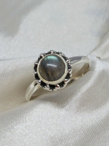 💍STERLING SILVER 925 💍  Small Round Handmade Ring w/Labradorite -R/H11
