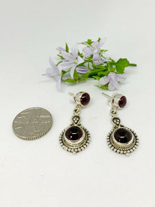 💎STERLING SILVER 925💎Handmade Round with Stud Earrings w/Garnet-E/H08