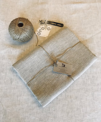 Tablecloth Pure Linen - 6 seat - Oatmeal colour - middle colour in range