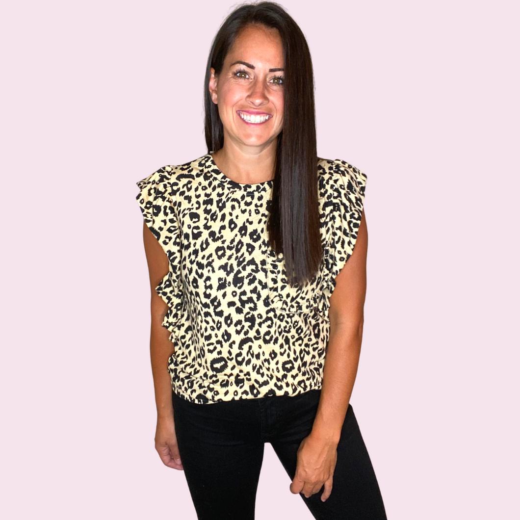 Ruffled sleeve leopard tee with pocket