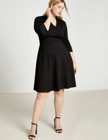 V-Neck Dress with Three-Quarter Sleeve in Totally Black