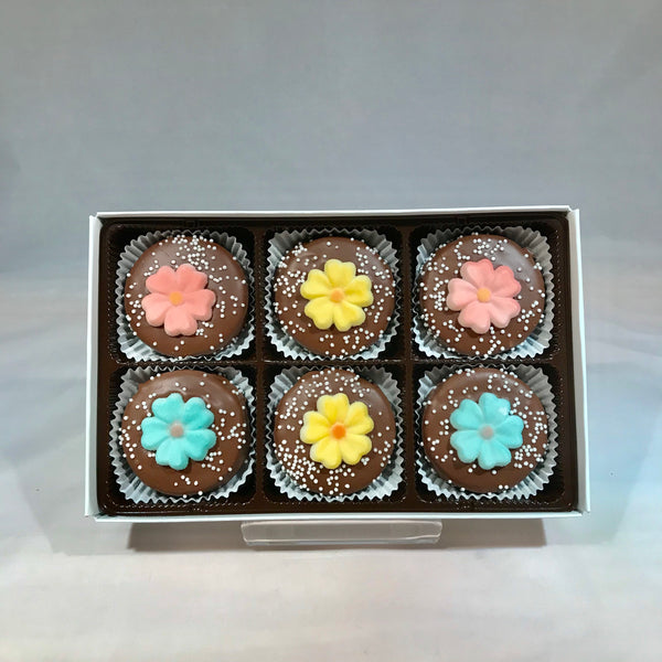 6 Milk Chocolate Covered Oreos - Spring Flowers