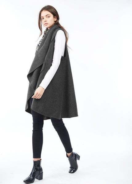 Circle Pocket Shawl Vest Charcoal