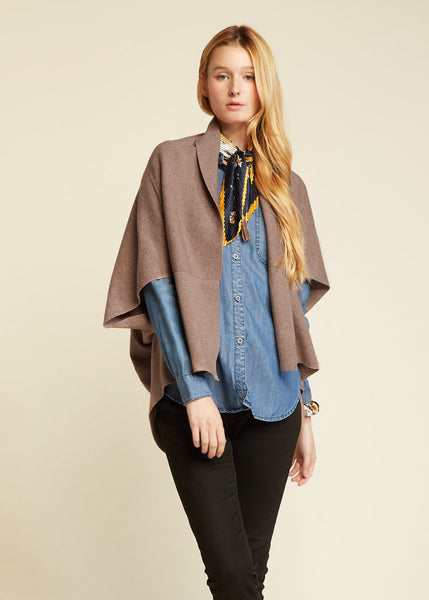 Short Cape Cardigan Taupe