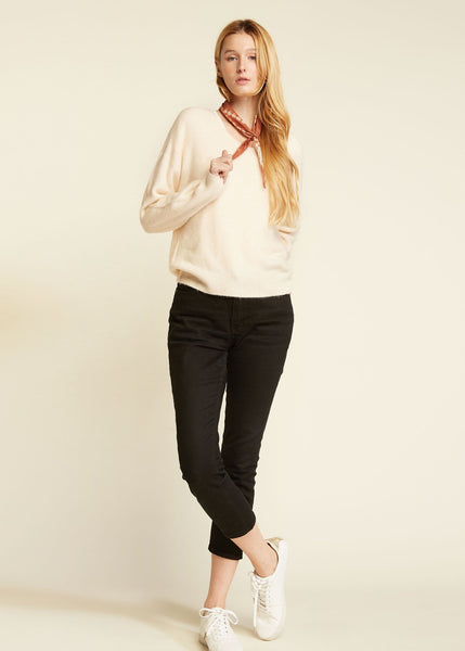Basic V Neck Sweater Cream