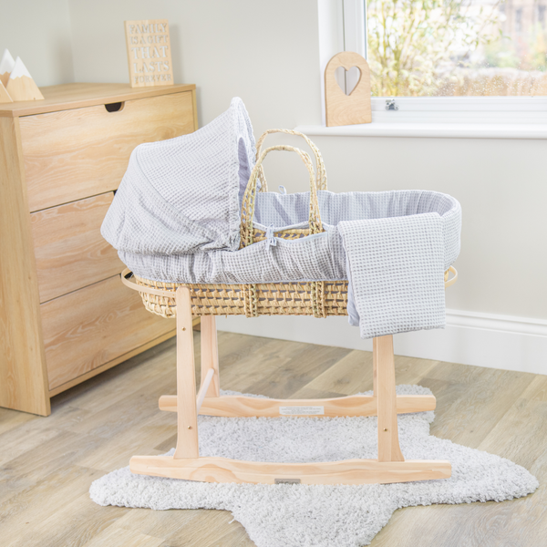 The Benefits of Using a Moses Basket!