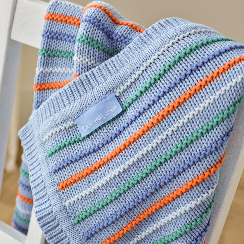 Stripe Thick Knit Blanket in Blue detail