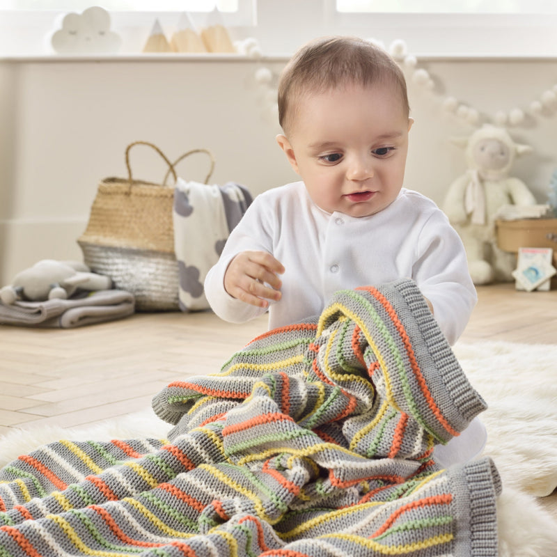 Stripe Thick Knit Blanket in Grey with Baby
