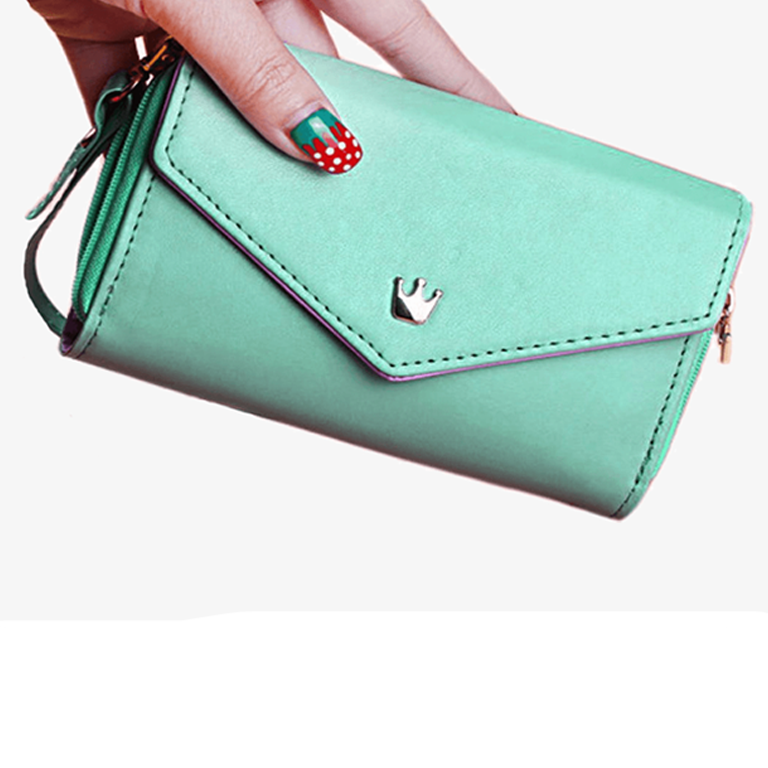 Purse and Wristlet – Step Out In Style
