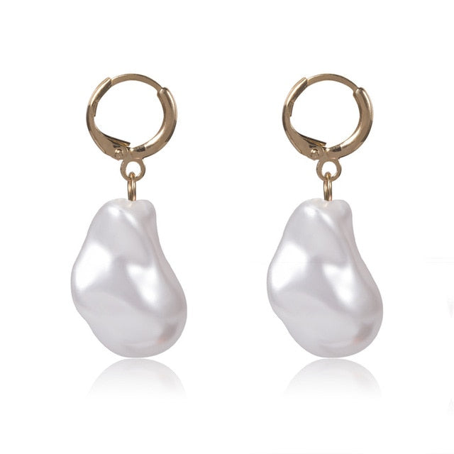 'Mila' Pearl Dangle Earring