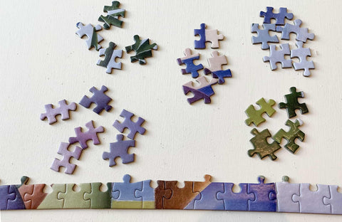 Sorting a jigsaw puzzle by colour