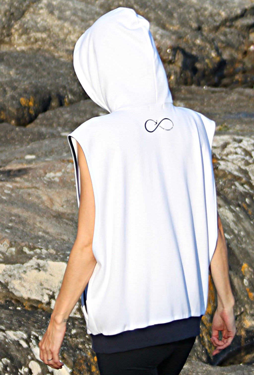 Sleeveless hoodie OCEAN CONNECTED- LET THEM TALK Seaqual Initiative 🇫🇷