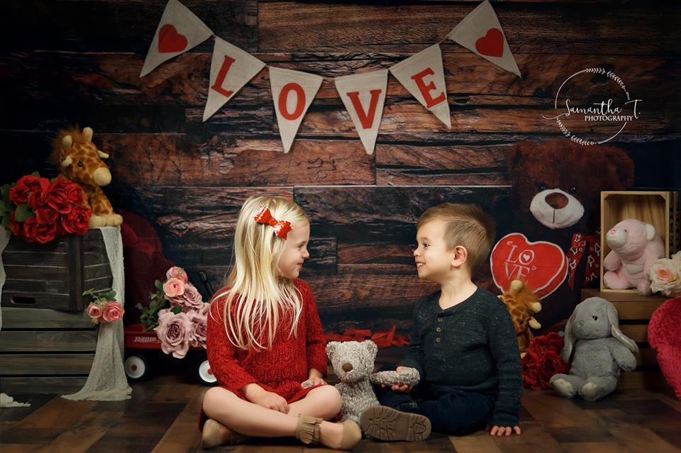 Cargar imagen en el visor de la galería, Katebackdrop:Kate Be my Valentine Wooden Wall And Teddy Bear Love Banner Backdrop