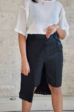 Load image into Gallery viewer, Short en damier noir Adama Paris