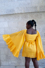 Load image into Gallery viewer, Yellow heart 2 - Robe courte cache coeur jaune - Adama Paris