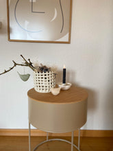 Laden Sie das Bild in den Galerie-Viewer, Ceramic Basket - Small