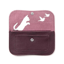 Laden Sie das Bild in den Galerie-Viewer, Cat Chase Wallet Medium Aubergine