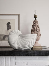 Laden Sie das Bild in den Galerie-Viewer, Shell Pot Off White