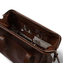 Laden Sie das Bild in den Galerie-Viewer, Tasche Room Service, Dark Brown  used look