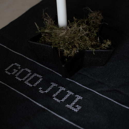 Kryss Dark grey Recycling table runner God Jul