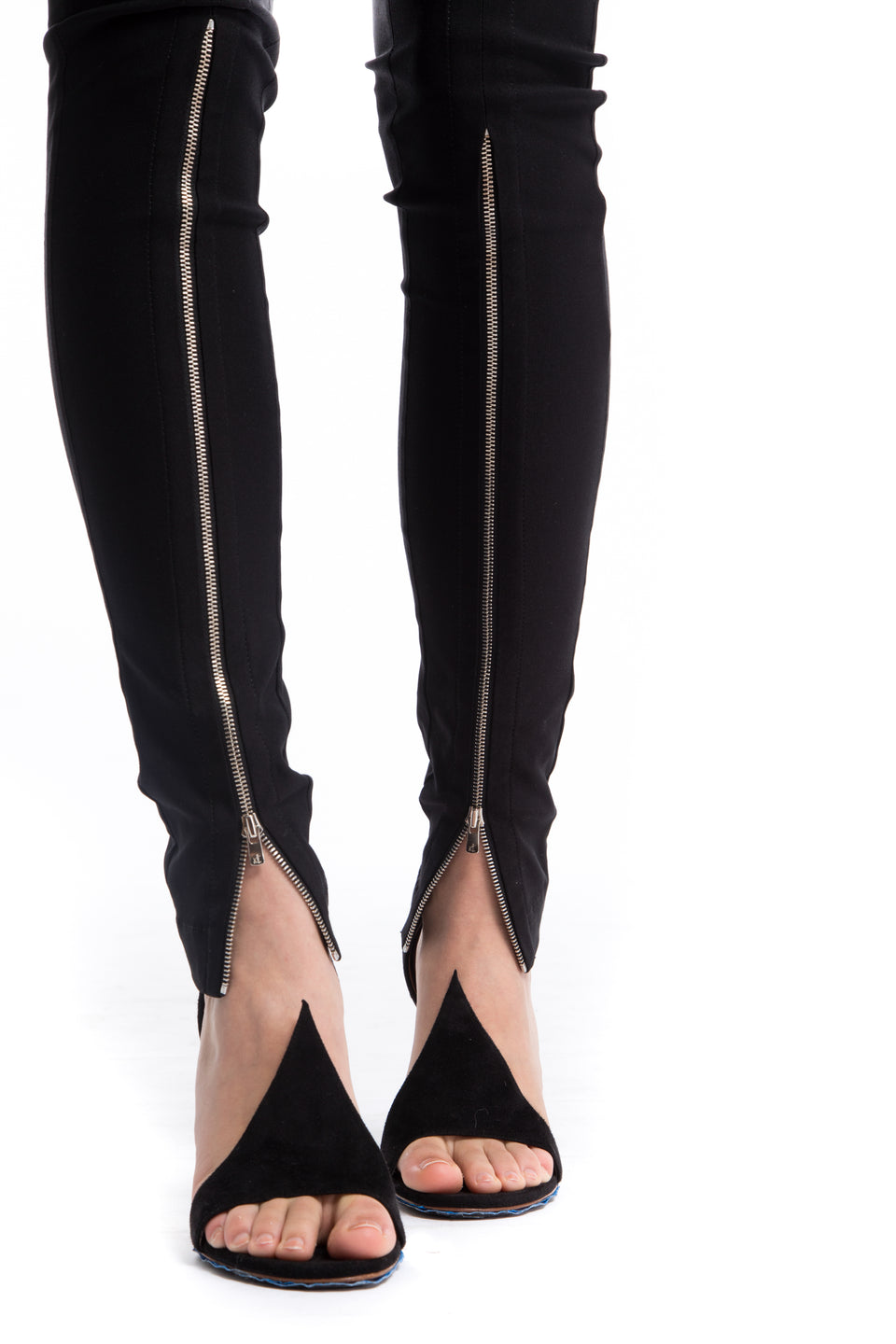 NINObrand black skinny Pants with front silver long zippers
