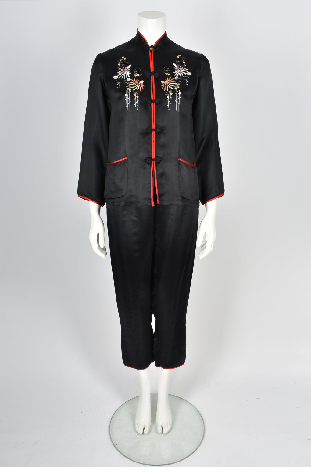 CHINESE Asian 1940s embroidered silk pyjamas S