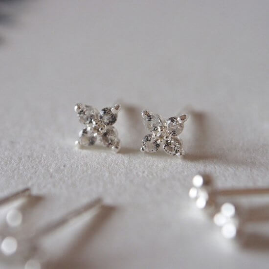 Murkani Clover Studs With White Topaz In Sterling Silver