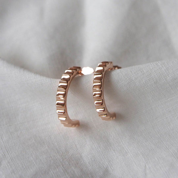 Murkani Fluted Hoop Earrings Rose Gold Plated