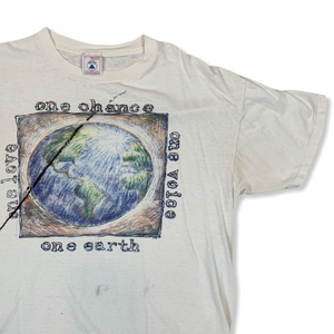 VINTAGE ONE CHANCE ONE EARTH MENS WHTE TSHIRT