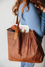 Load image into Gallery viewer, Veronica Village Leather Tote