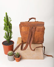 Load image into Gallery viewer, The Bruce Village Leather Backpack