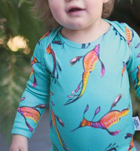 Load image into Gallery viewer, Organic baby Onesies - long sleeve