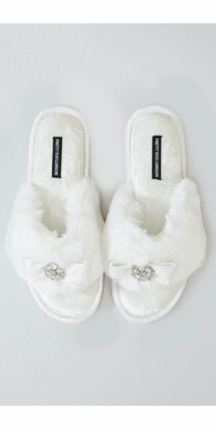 Pretty You Amelie Slippers in Ivory