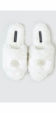 Pretty You Anya Slippers in Ivory