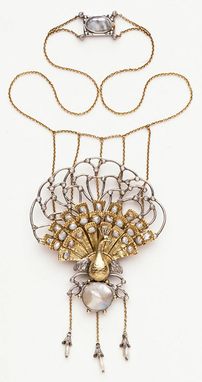 Arts & Crafts Necklace by Charles Ashbee in the V&A Museum, London