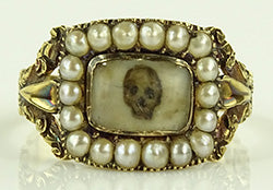 memento mori ring sold by Burstow & Hewettt auctioneers