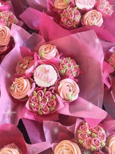 Load image into Gallery viewer, Cupcake flower bouquet 💐