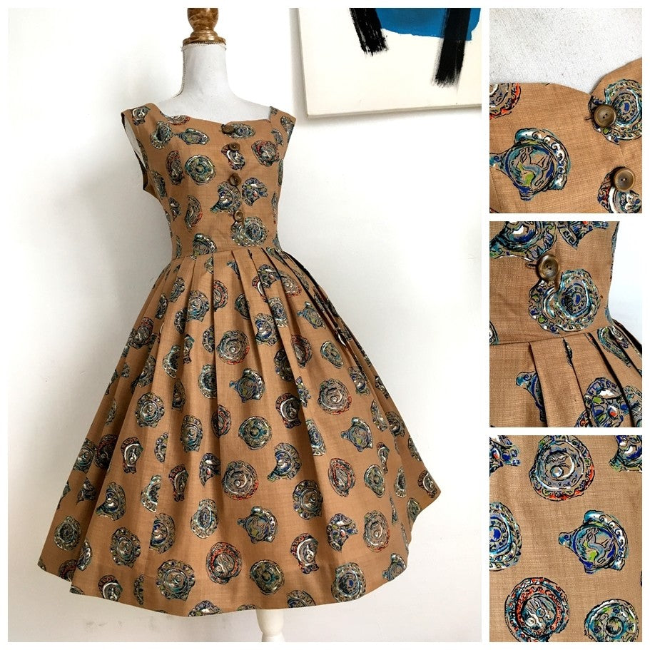 1950s - Stunning Novely Print Ancient Plates Dress - W29 (74cm)