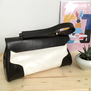 1960s - Deadstock! - Fabulous Dark Brown & White Handbag