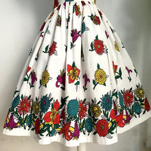Load image into Gallery viewer, 1950s - Spectacular Vibrant Floral Print Dress - W27 (68cm)