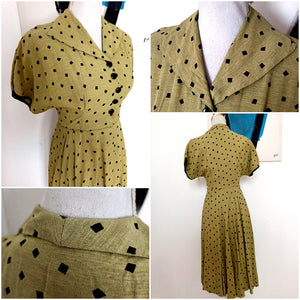1940s - Fabulous Olive Green Rayon Black Diamonds Dress - W28 (70cm)