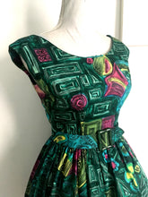 Load image into Gallery viewer, 1950s - Fabulous Novelty Print Belted Dress - W24.5 (62cm)