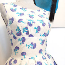 Load image into Gallery viewer, 1950s - Adorable Purple Clovers Cotton Dress - W26 (66cm)